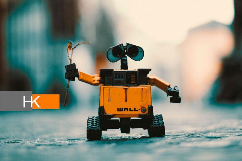 La competencia emocional de una persona, su capacidad de enseñar o su juicio ético son habilidades que -al menos hasta ahora- un robot no posee. Fotografía: Pxhere.