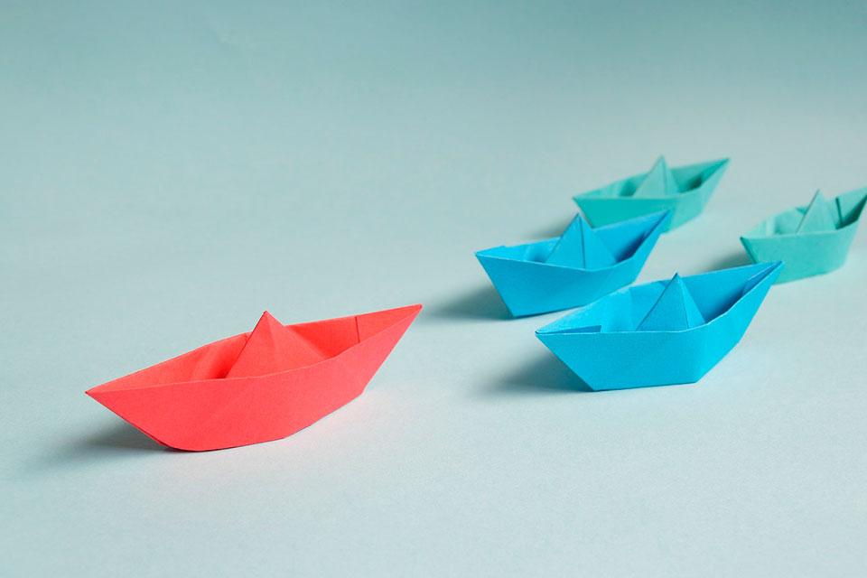 """Una forma de compartir el poder puede consistir en ayudar a que los integrantes de un equipo recuerden un determinado momento en que se hayan sentido """"poderosos"""", y luego vincularlo a tener mejores resultados en presentaciones o entrevistas de trabajo. (Fotografía: Pixabay)"""