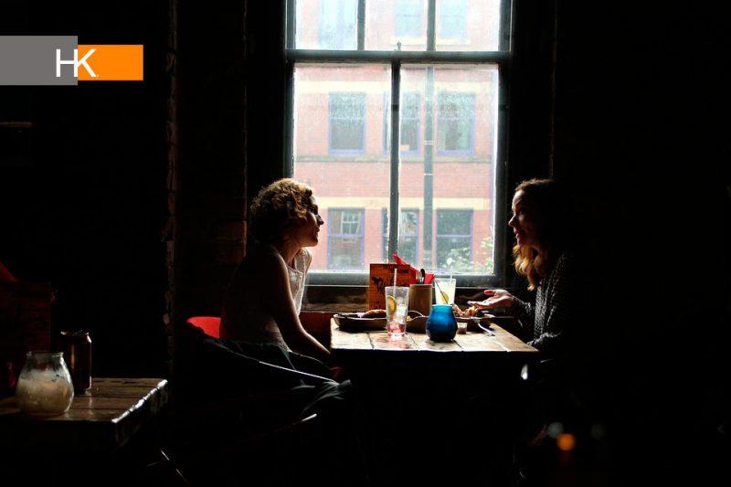 """Diferenciarse. Demostrar que pones atención durante una entrevista de trabajo es un hábito que puede ser clave para mostrar que eres """"único"""" entre los otros postulantes."""