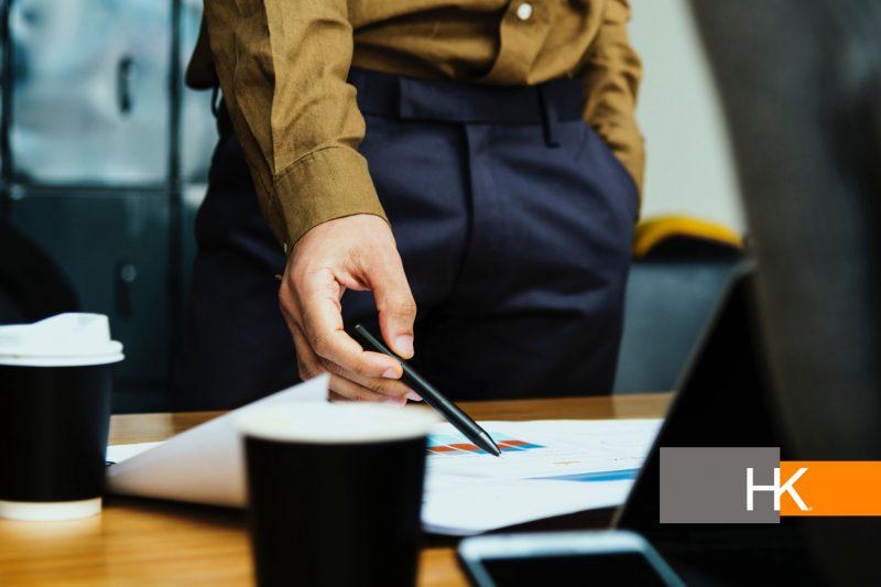 El rol de un CEO mayormente es sobre la visión de la empresa: en primer lugar, siempre es clara, pero también evoluciona junto con la empresa y el ambiente en el que opera. Fotografía por rawpixel en Unsplash.