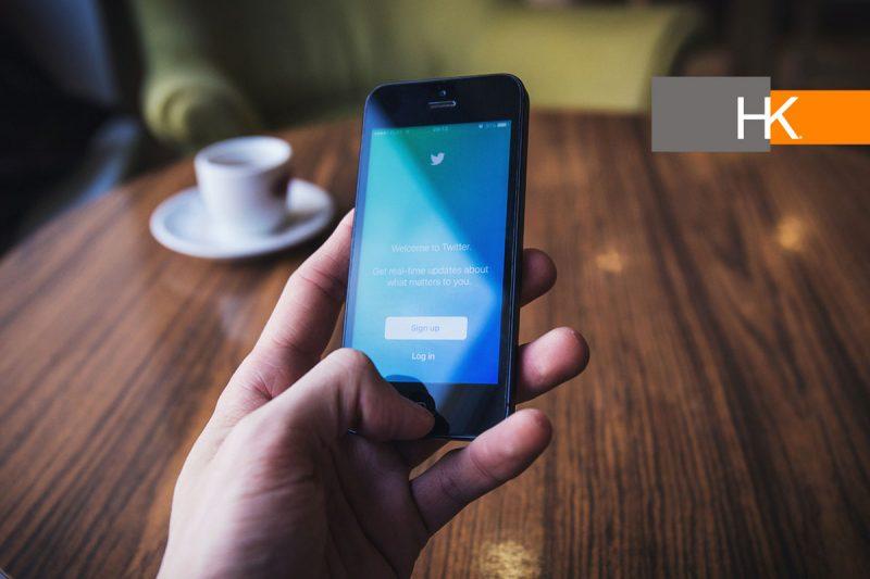 Según la investigación de Lorenzo Bizzi, académico de la California State University, Fullerton, el 76% de los empleados que usan las redes sociales para trabajar se interesaron en otras organizaciones que encontraron en esas plataformas, en comparación con el 60% de los empleados que las usan solo para el ocio. Fotografía: Pxhere.