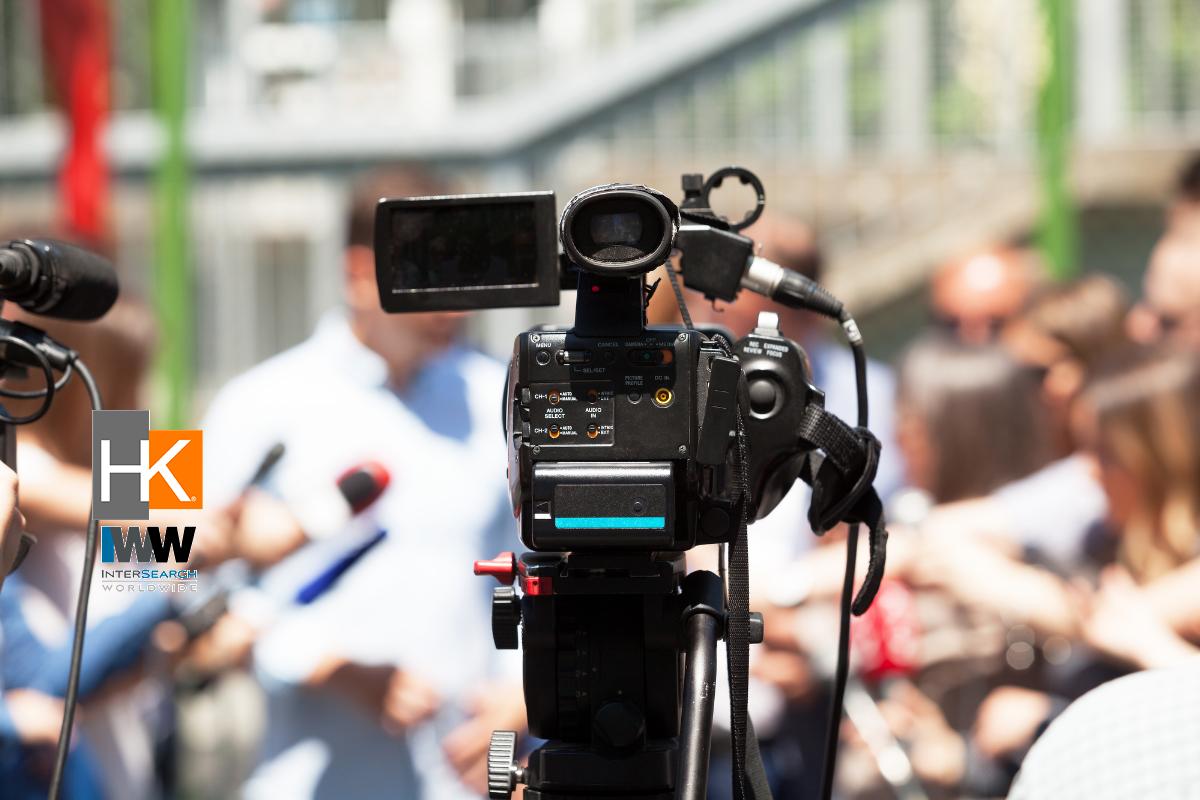 Más que preguntarse qué deberá decir el gerente general sobre diversos temas, se deben tomar en cuenta el objetivo del mensaje, la audiencia a la que está dirigido, las habilidades comunicativas del ejecutivo y su autenticidad. El paso siguiente es confiar en el equipo y elegir los representantes más idóneos.